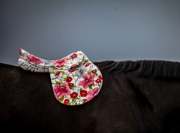 Port Floral Decor Saddle